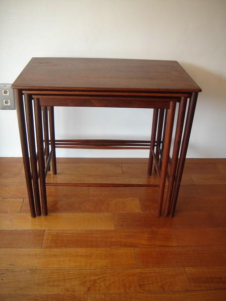 Elegant 繊細さが魅力です。ぎりぎりまで細く、薄く。ネストテーブルはとても重宝するアイテム。 Nest Of Tables / Grete Jalk / P.  Jeppesen DENMARK/ Used SOLD OUT